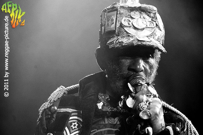 Lee-Perry_2011_100